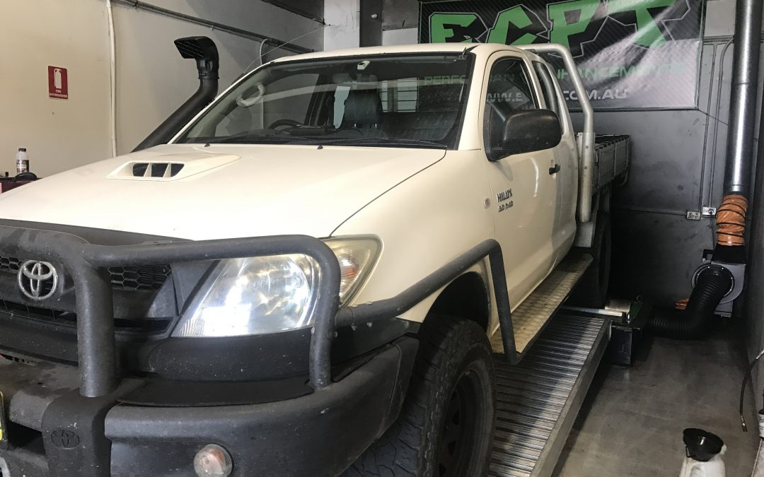 2008 TOYOTA HILUX 1KD MANUAL